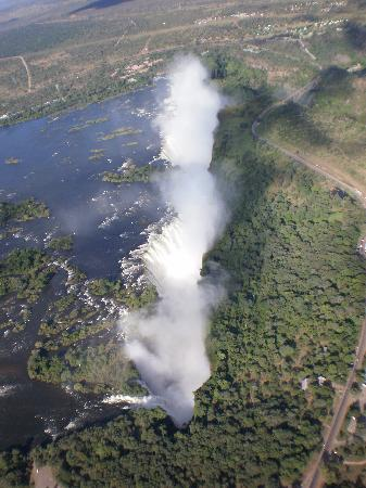 Viktoriafälle, Simbabwe: Vic Falls Helicopter view Apr 2010