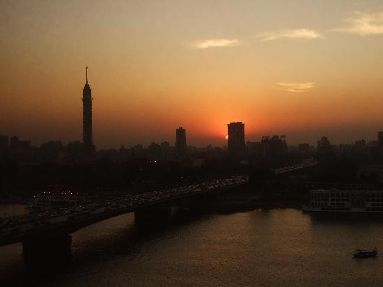 Ramses Hilton: 部屋からの夕焼け