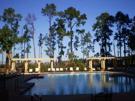 Lake Eve Resort: the pool and view toward the lake