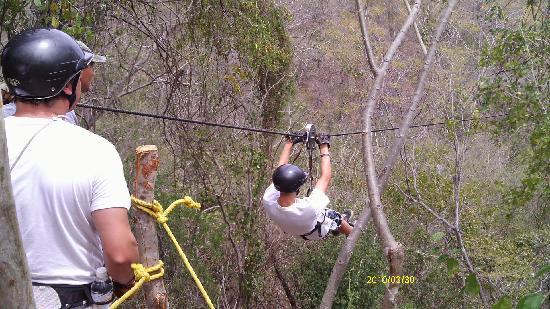 Veraneando Adventure Zipline Tour and River Ride Tour: Ziplining in Veranos