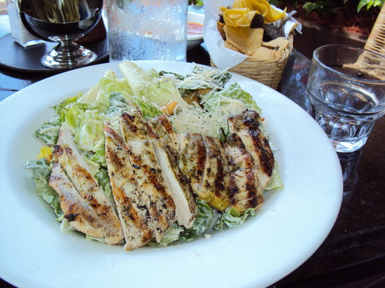 Jaguar Ceviche Spoon Bar and Latin Grill: Grilled chicken salad