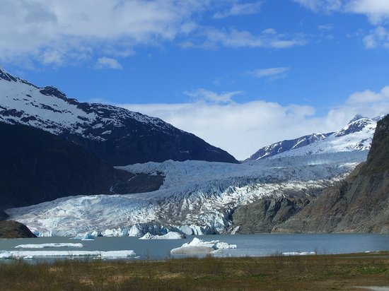 Mendenhall Glacier: View from Visitor Centre