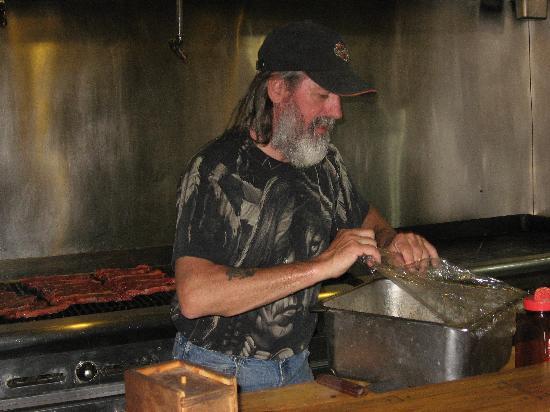 Bryce Pioneer Village: le cuisinier et ses grillades