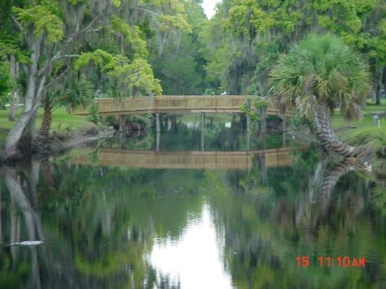 Bulow RV Resort: Bridge Over the Canal