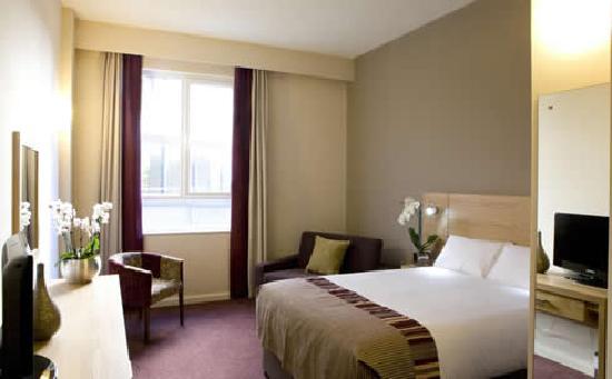 Jurys Inn Belfast: Bedroom