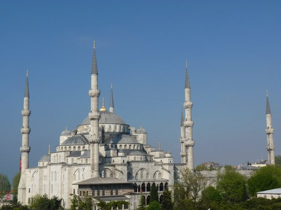 Cosmopolitan Park Hotel: Blue Mosque from the Roof