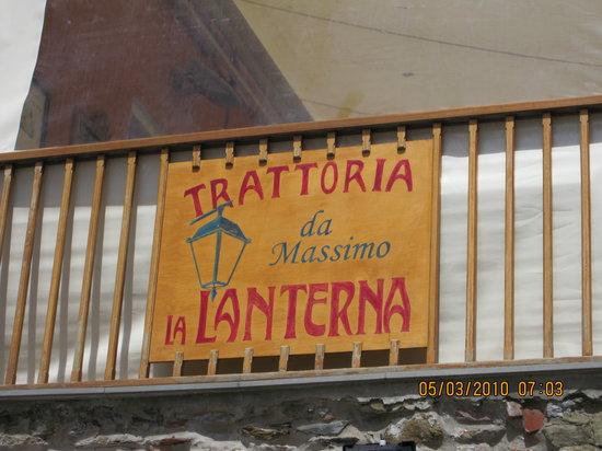 La Lanterna: Signage at the retractable screen