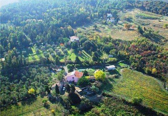 Lajatico, Italy: capraleccia dall'alto