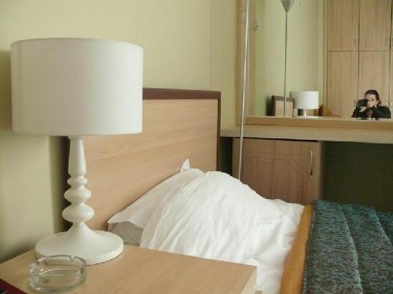Akdamar Hotel: Room