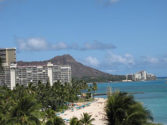 Hilton Hawaiian Village Waikiki Beach Resort: View from our balcany