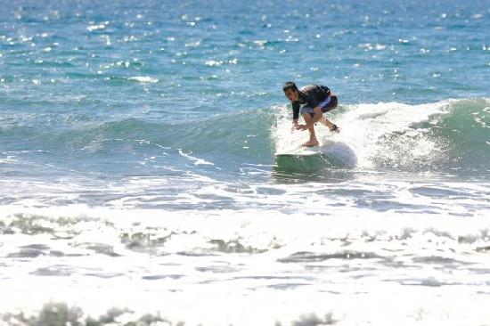 Jaco, Costa Rica : Surfing