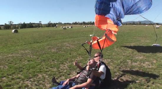 Skydive Yarra Valley: cruising down