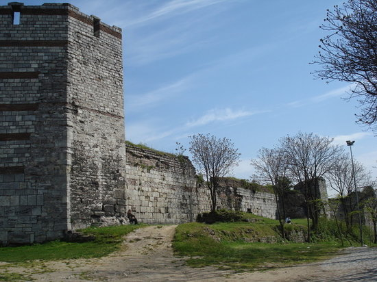 Walls of Constantinople (Istanbul City Walls) : Mura Teodosiane