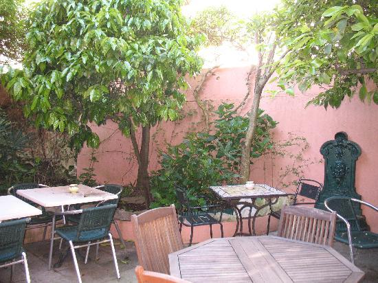 Hotel Maria Christina : le patio 1