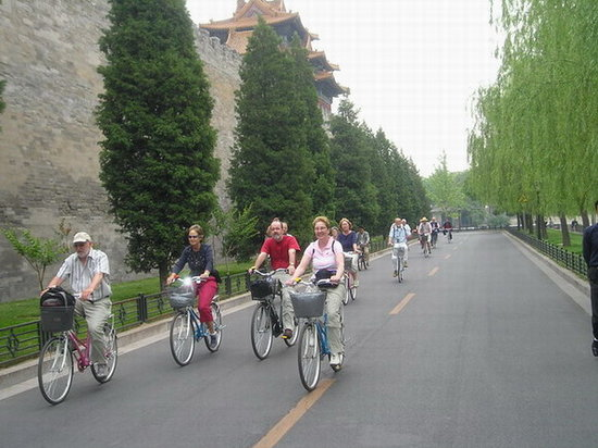 Cycle China-Beijing One-day Tour: Cycle around Forbidden City
