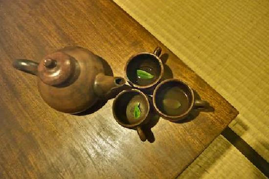 Tea Garden Resort Bandung: I really like this welcome drink, I could drink the whole teapot.