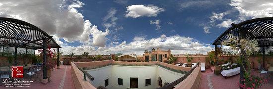 Riad Dar Dialkoum: 1st roof terrace