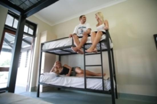 Coolangatta Sands Backpackers : Spacious 8 and 4 bed dorms