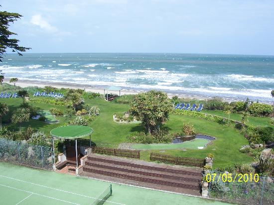 Kelly's Resort Hotel & Spa: View from a seaview room you can see for miles in both directions