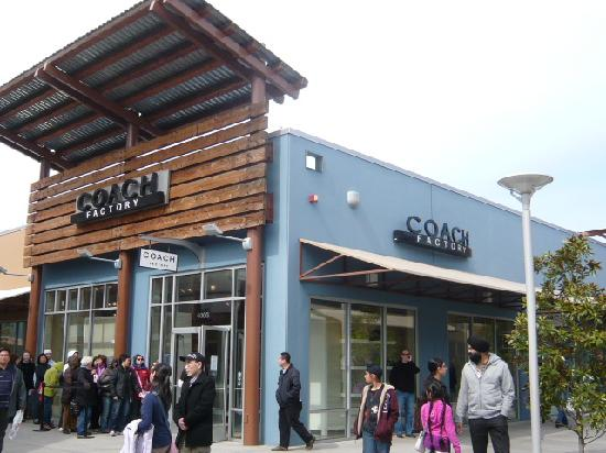 3f65779a853e Seattle Premium Outlet - Picture of Seattle Premium Outlets ...