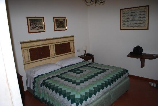 Panella's Residence: comfortable bedroom