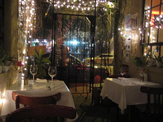Gabriella Cafe: The patio