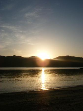 Kakeroma Island: 日の出 ~海宿5マイルから~