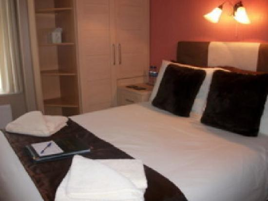 The Wellsway: Small Double Room