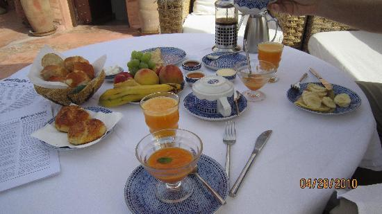 Riad Zolah: Breakfast on the Terrace