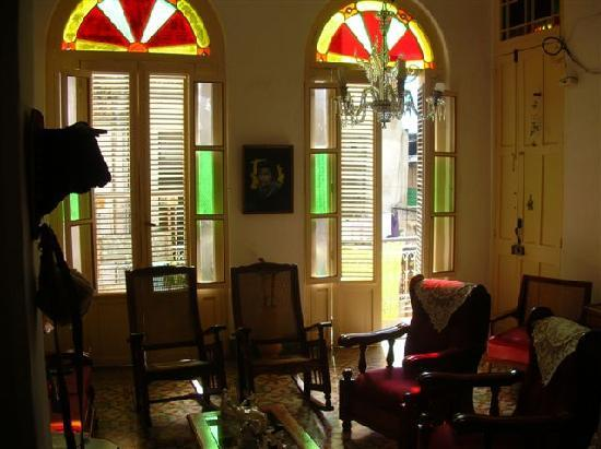 L'Auberge de Raquel: living room with balcon