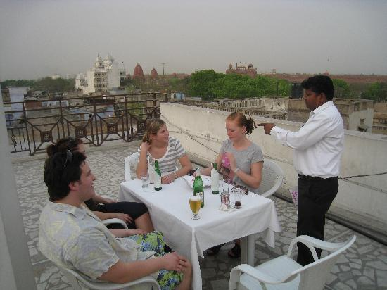 Hotel Tara Palace Chandni Chowk: nice dinner on the roof