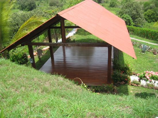 Vista Guapa Surf Camp: Yoga hut