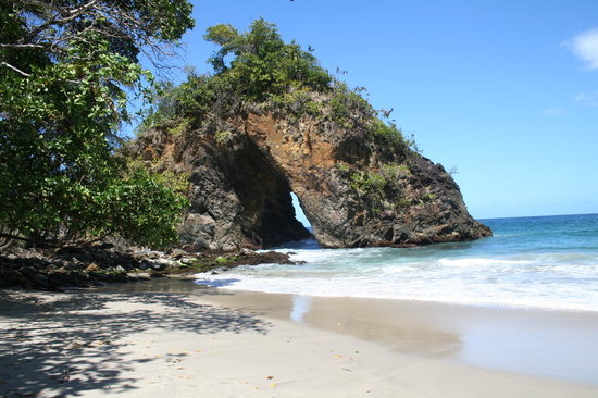 Trinidad y Tobago: The Paria Arch, Paria Bay