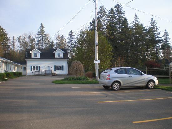 Allen's Motel: great location