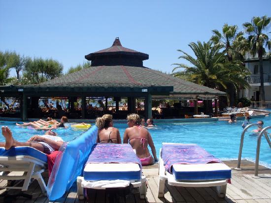 Parkim Ayaz Hotel: Piscina
