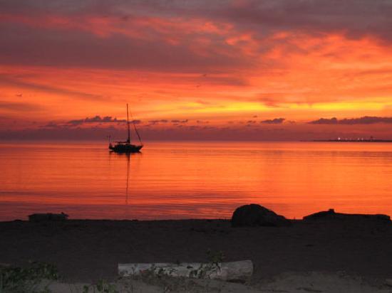 Casa Kiwi Hostel: Best sunsets in Trujillo