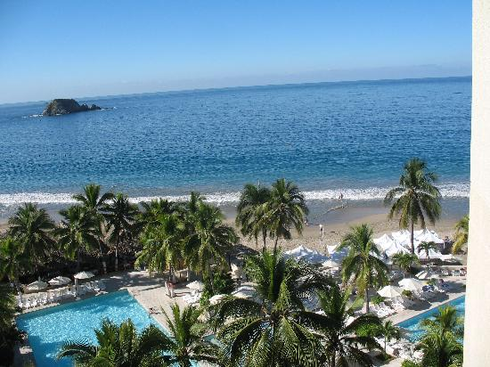 Hotel Fontan Ixtapa: View from our suite room 835