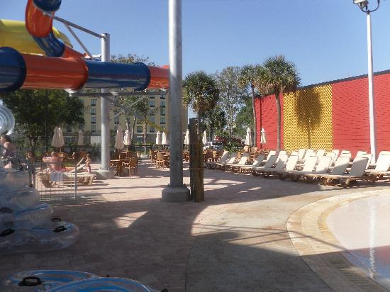Coco Key Water Resort : Under large slide area, stairs to slides on right