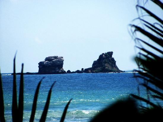 Cabanas la Iguana: another photo of the rocks
