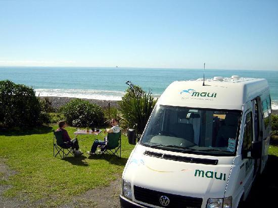 Napier Beach Kiwi Holiday Park and Motels: Beachfront Powered Sites