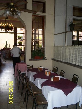 Hotel Salmones: Restaurante