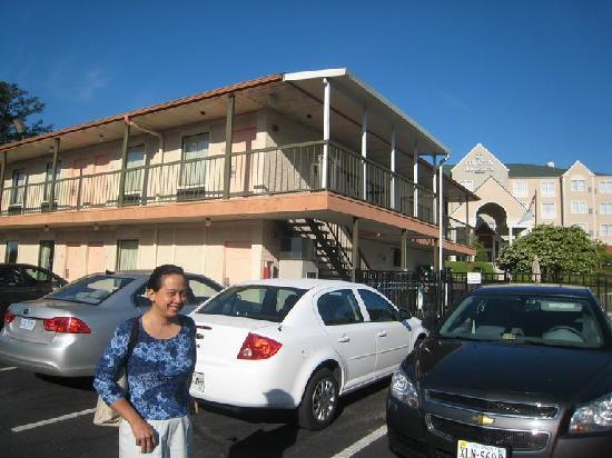 Quality Inn: Two-storey motel with parking in front