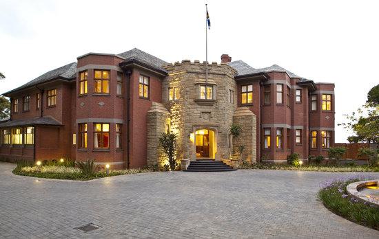 Upton Hall Entrance