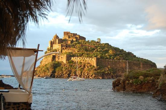 Castello aragonese picture of ischia isola d 39 ischia for Aragonese cuisine