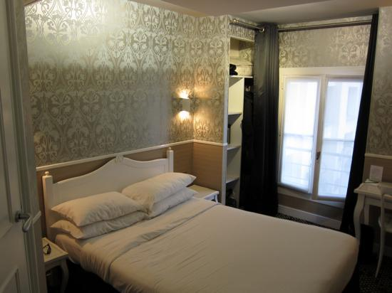 Hotel design sorbonne hotel room picture of hotel for Design hotel sorbonne