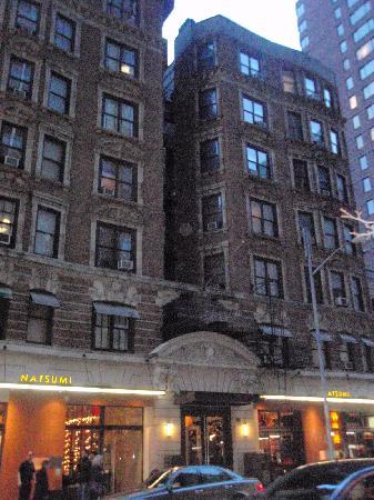 Fachada foto di amsterdam court hotel new york city for Hotel di amsterdam