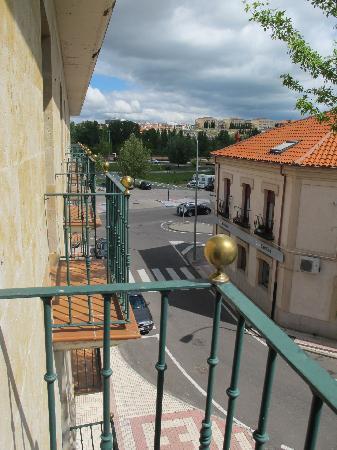 Puente Romano de Salamanca: Puente Romano Neighborhood View 2