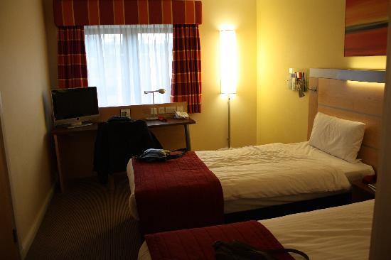 Holiday Inn Express Edinburgh - Royal Mile: Otra de las habitaciones