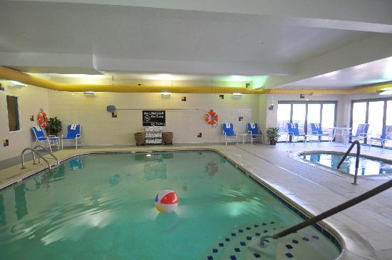 Hampton Inn Glenwood Springs: Enjoy the Indoor Pool