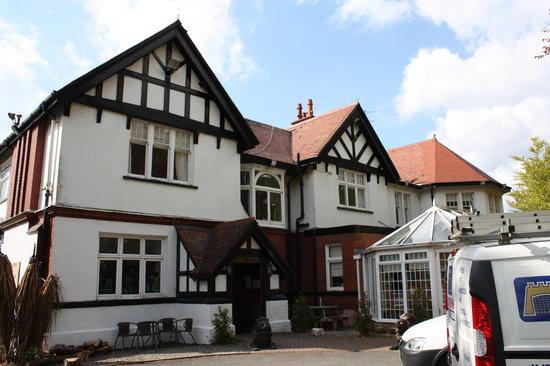 Manor Park Hotel: Entrada